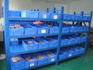 物流仓储分类方式中层板货架的使用